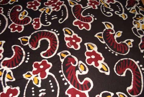 gambar tato batik bunga download gambar batik berebes warna merah hitam motif