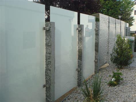 Sichtschutz Fenster Dunkelheit by Gartengestaltung Mit Sichtschutz Aus Glas In Leonberg