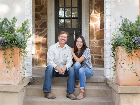 where does chip and joanna gaines live the flipper fixer hgtv s fixer with chip and joanna gaines hgtv