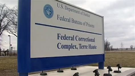 federal bureau of prisons federal correctional officer arrested for conspiracy