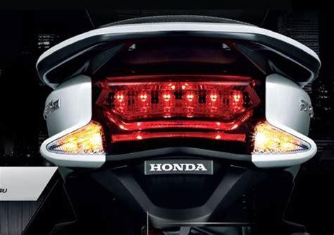 Pcx 2018 Irit by Honda All New Pcx 150 2015 Dengan Headlight Led Hadir Ke