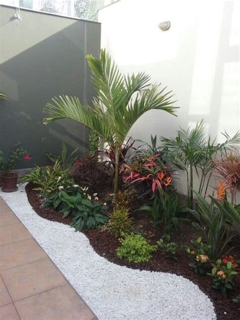 small tropical garden ideas 25 best ideas about small tropical gardens on