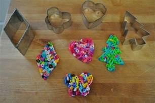 basteln mit b 252 gelperlen 12 ideen amp vorlagen zu weihnachten