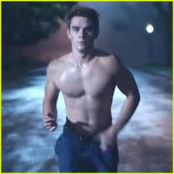 video: 'riverdale' star kj apa goes shirtless in first