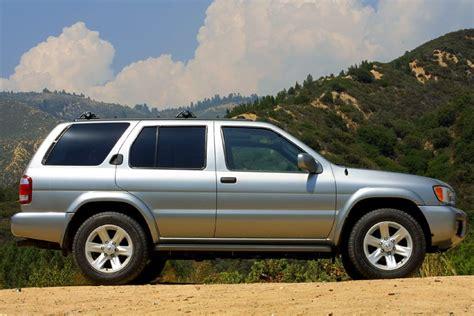 pathfinder nissan 2002 2002 nissan pathfinder overview cars com