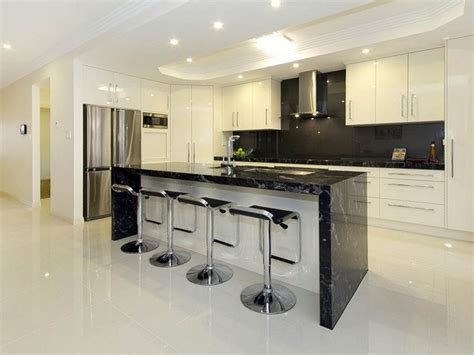 Two Tone Kitchen Cabinets To Create Attractive Kitchens White And Black Kitchen Cabinets