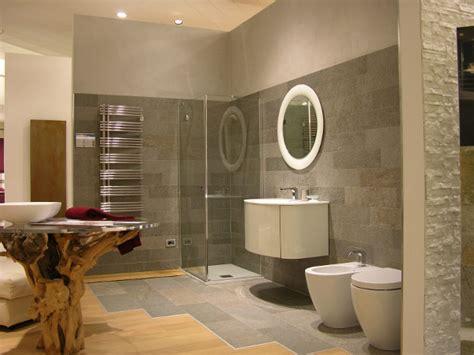 bagno spa andrighetti ambienti gode di una sala mostra di 2000 metri