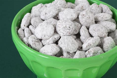puppy chow recipe puppy chow quot muddy buddies quot recipe gimmesomeoven