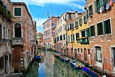 houses in venice italy world travel places