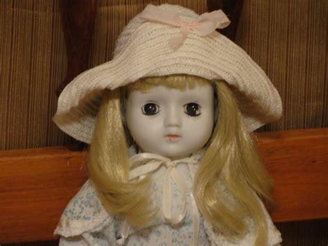 3 faced porcelain doll value day i an porcelain doll white