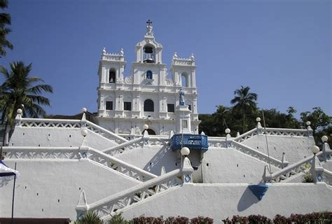 top places  visit  goa holidaybirds