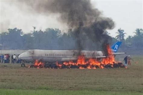 Air Di Palembang pesawat aci agung air terbakar di palembang 6 penumpang tewas kaskus