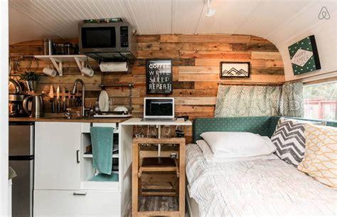 Decorating Bedroom by Cette Caravane R 233 Tro Pourrait Bien 234 Tre Le Plus Mignon