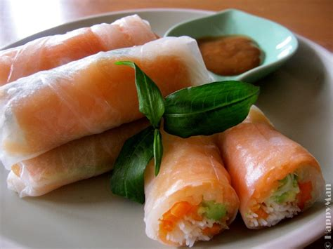 Rice Paper Rolls - salmon and avocado rice paper rolls recipe recipeyum