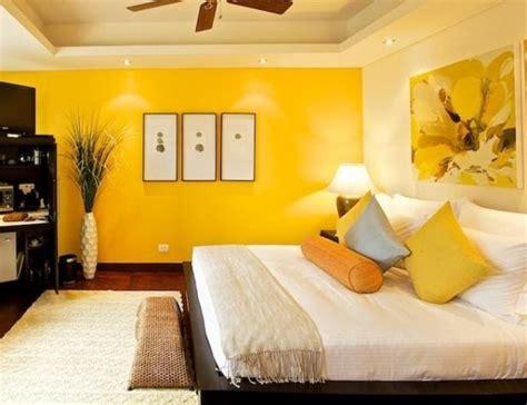decorar pared amarilla las paredes interiores en color amarillo pintomicasa