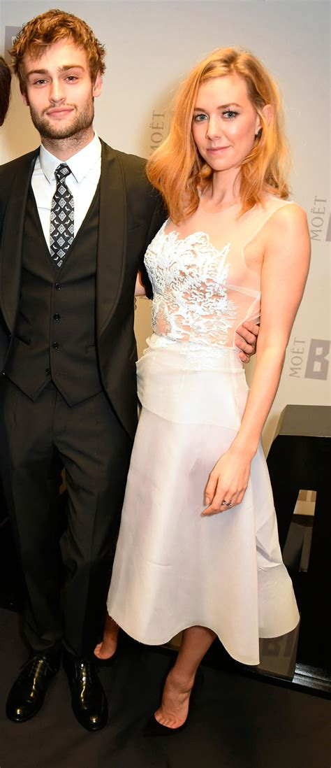 vanessa kirby is she married who is tom cruise s new girlfriend 5 things to know