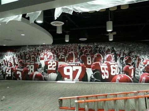 the locker room tuscaloosa a glance at alabama football s locker room renovations