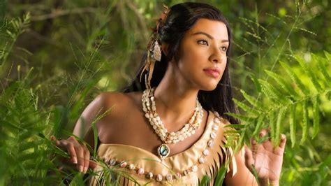 Meet Pocahontas on Discovery Island Trail   Animal Kingdom   Walt Disney World Resort