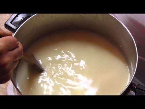 come si fa il formaggio in casa i corsi per preparare il formaggio in casa