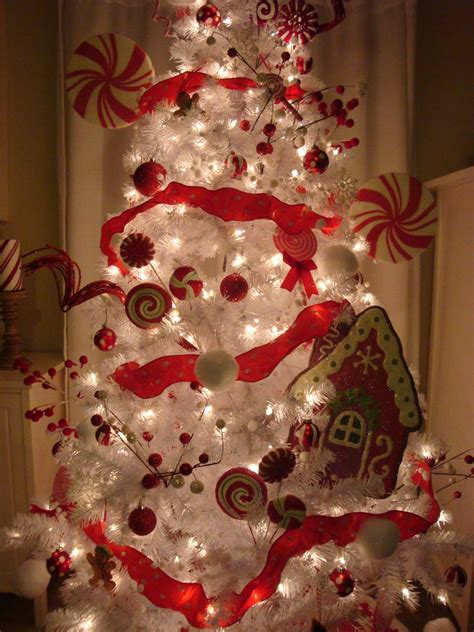 Christmas Tree Decorations Ideas Dma Homes 3304 | red christmas tree with white decorations www indiepedia org
