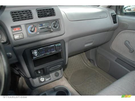 1998 Nissan Frontier Interior by 1998 Silver Metallic Nissan Frontier Xe Regular Cab