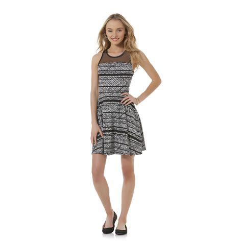 shakira fashion line facts bongo clothing line