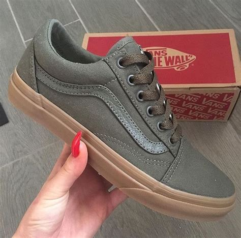 wall running shoes best 25 olive green shoes ideas on green
