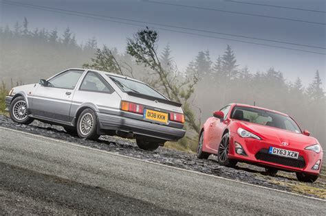 vs sports car video toyota sports cars past and present ae86 vs gt86 toyota
