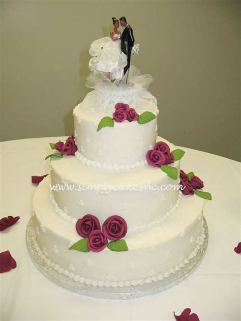Wedding Cake Icing by Buttercream Wedding Cake With Royal Icing Roses Wedding