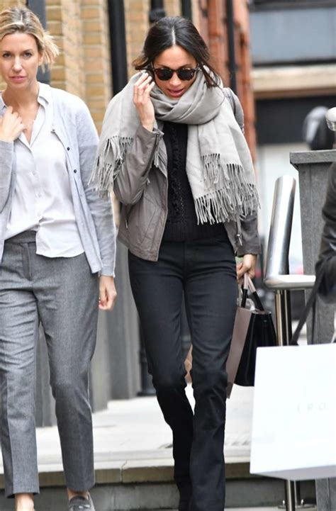 meghan markle shopping in toronto 09 gotceleb meghan markle at christmas shopping in london