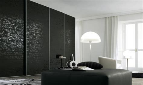 schwarzer kleiderschrank kleiderschrank mit schiebet 252 ren 100 modelle archzine net