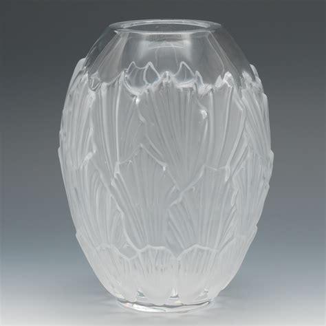 a lalique quot sandrift quot glass vase 05 22 14 sold 264 5