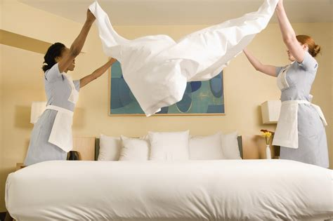 how to make a hotel bed 30 best things all hotels should have