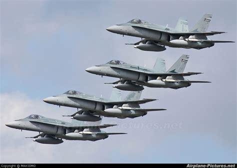 australian airforce a21 7 australia air force mcdonnell douglas f a 18a