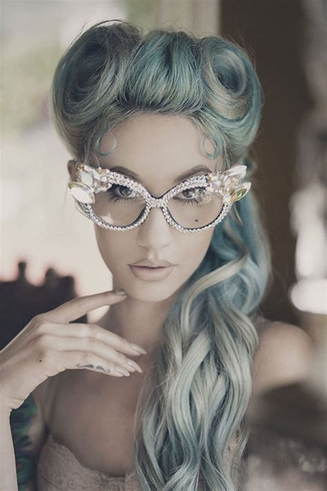 gray hair fad granny hair trend why young women are dyeing their hair