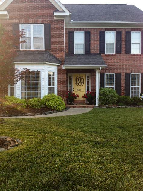 brick house with kelly moore red door brick house with door 28 images 20 front door ideas