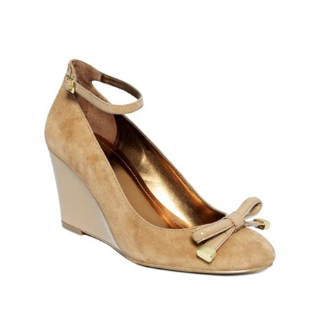Bsw Wedges Camel 1 tracy factor mid wedges in beige camel sude patent