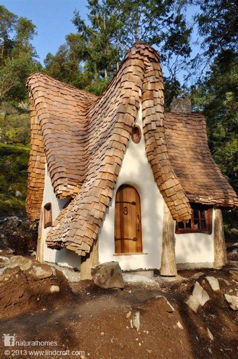 discover seven cedar roof shingle homes you will want to build 1000 images about small house addict on pinterest tiny