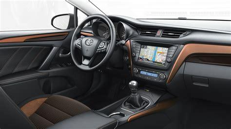 2015 Toyota Agya 989 1 0 Na 48 godzin z now艱 toyot艱 avensis w szwajcarii moto opinie