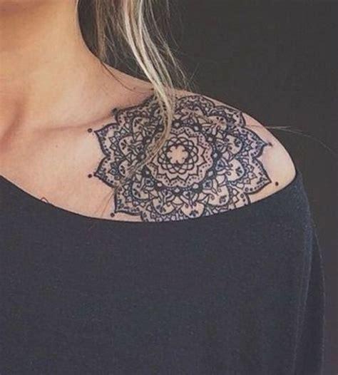 mandala colorati tattoo die besten 17 ideen zu mandala tattoo schulter auf