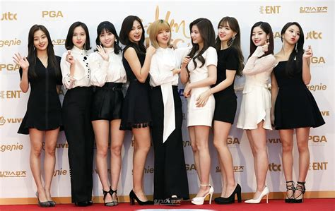 twice awards twice golden disk awards red carpet day 2 twice