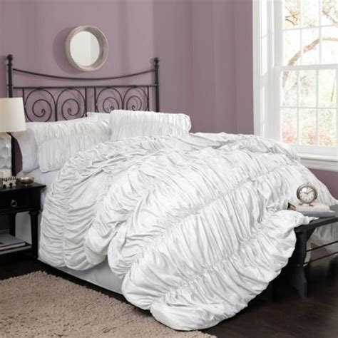 beautiful modern elegant white ruffled textured comforter