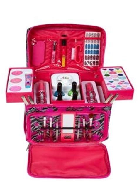 Kitkit Jaket Hello makeup kit room and zebras on