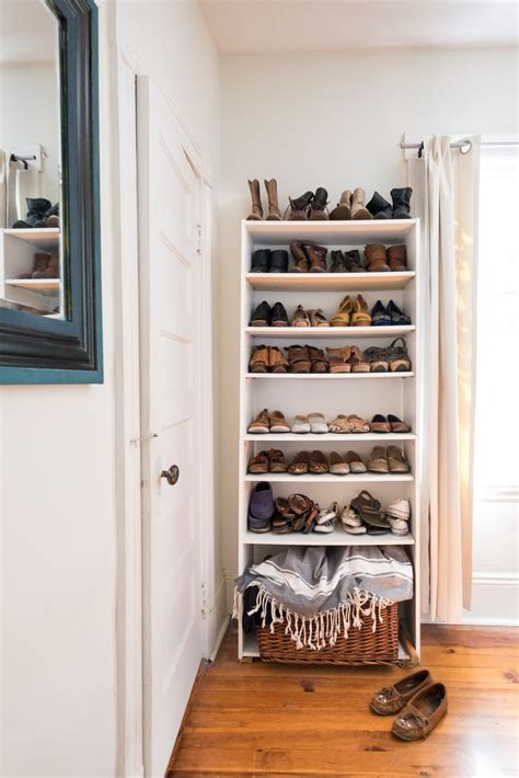 Small Bedroom No Closet by 10 Ideas About Small Closets On Small Closet