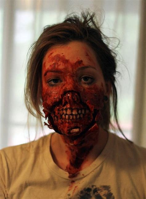 tutorial for zombie makeup the 11 best zombie makeup tutorials for your walking dead