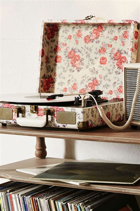 home d 233 cor essentials by urban outfitters glitter magazine 1000 ideas about portable record player on pinterest