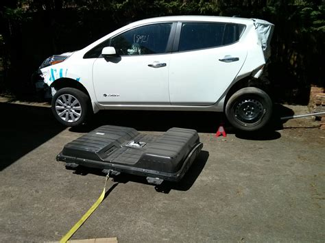 nissan leaf motor voltage how to drop a nissan leaf battery pack without an auto