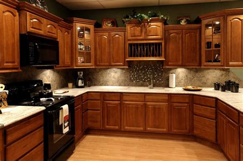 Best Color Paint Kitchen With Oak Cabinets Pictures