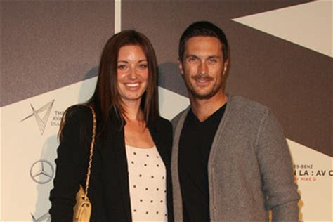 oliver hudson and chris d elia bianca kajlich connections zimbio