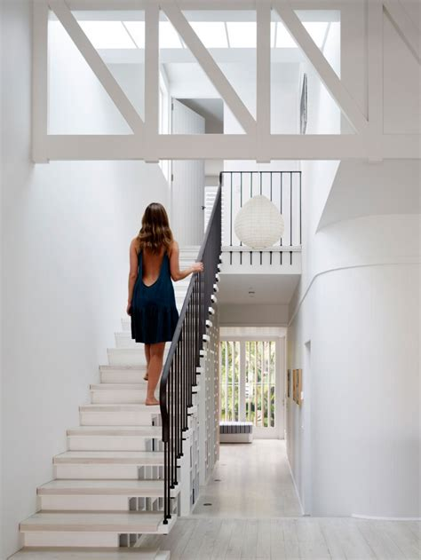 beach house  stilts  luigi rosselli architects